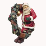 SANTA WITH WREATH 1