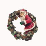 SANTA ON WREATH 1