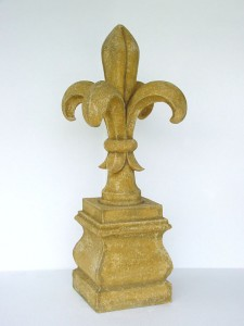 PILLAR FRENCH LILY 1