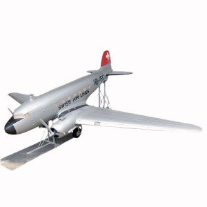 DC-3 MODEL AIRPLANE 1