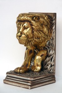 LION STAND 1