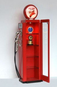 GAS PUMP DISPLAY SHELF (Red) 1