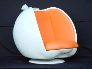 APPLE CHAIR (WHITE) 1