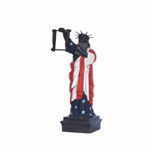STATUE OF LIBERTY TISSUE HOLDER 1